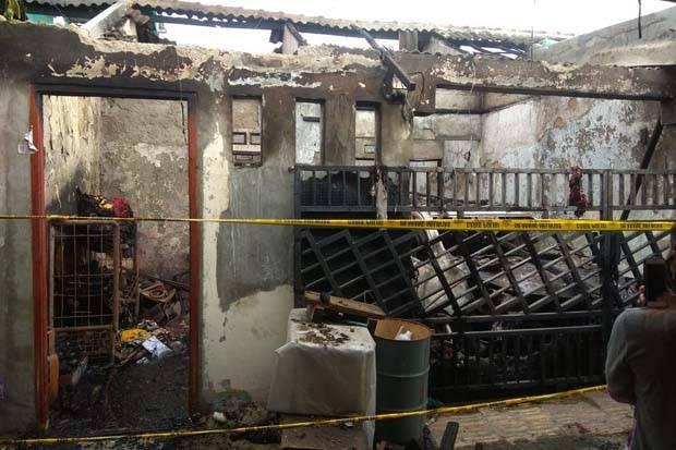 Satu Keluarga Tewas Terpanggang, Terjebak Dalam Rumah yang Terbakar Tengah Malam