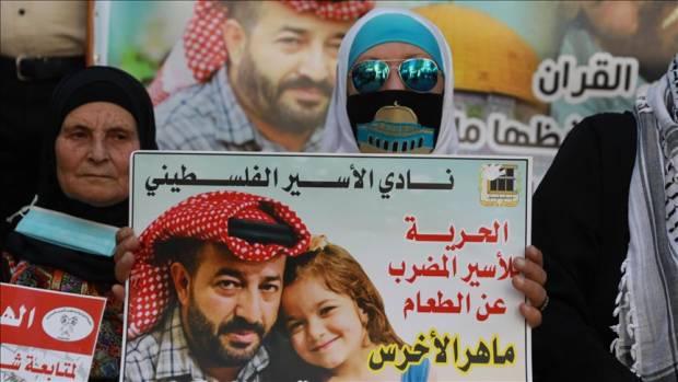 Pria Palestina Telah Mogok Makan 94 Hari, Kondisinya Memburuk