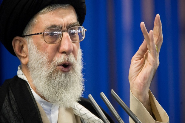 Khamenei: Macron Bodoh, Menghina Nabi Muhammad Harusnya Jadi Kejahatan di Prancis