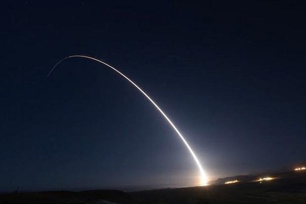 AS Tembakkan Rudal Balistik Antarbenua Minuteman III Seharga Rp102,6 Miliar