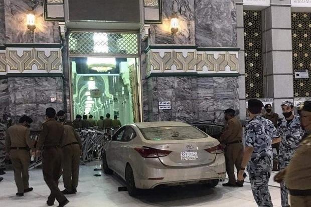 Pengemudi Mobil Tabrak Gerbang Masjidil Haram Ditangkap, Kondisinya Tak Normal