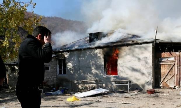 Bumi Hangus! Armenia Bakar Rumah sebelum Serahkan Desa ke Azerbaijan