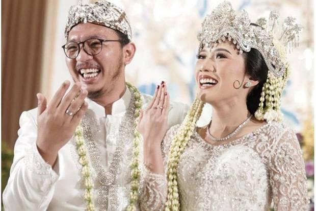 Mengenal Puteri Komarudin, Legislator Cantik yang Baru Akhiri Masa Lajang