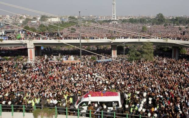 200.000 Orang Hadiri Pemakaman Ulama Pakistan Meski Dilarang
