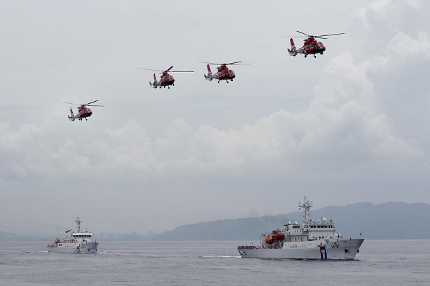 Kapal Coast Guard China dan Kapal Militer Malaysia Berseteru di Laut China Selatan