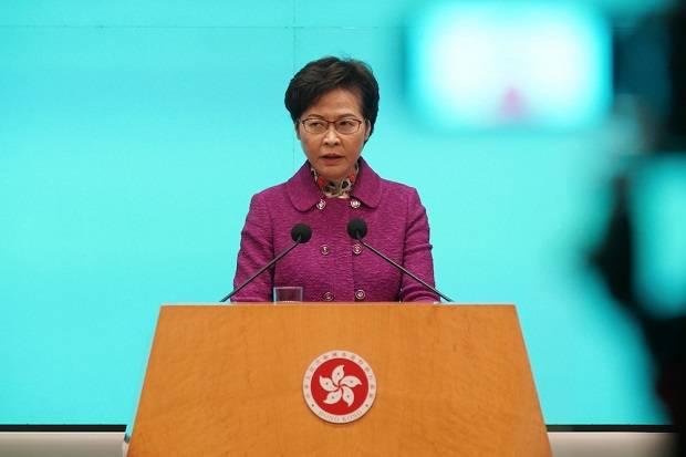 Disanksi AS, Pemimpin Hong Kong Hidup dengan Tumpukan Uang Tunai di Rumah