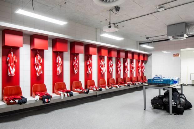 Lampu UV-C Desinfeksi Signify Lindungi Pemain PSV dari COVID-19