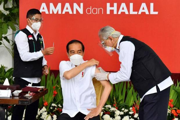Dua Jam Setelah Disuntik Vaksin Jokowi Merasa Sedikit Pegal