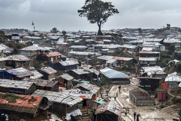 Kebakaran Dahsyat Hancurkan Kamp Pengungsi Rohingya di Bangladesh