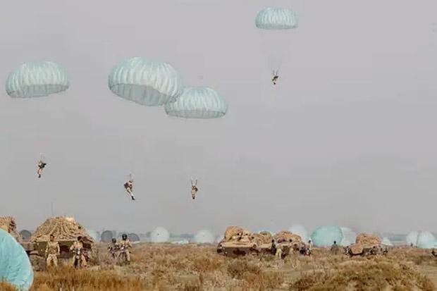 Iran Gelar Latihan Militer di Pantai Teluk Oman