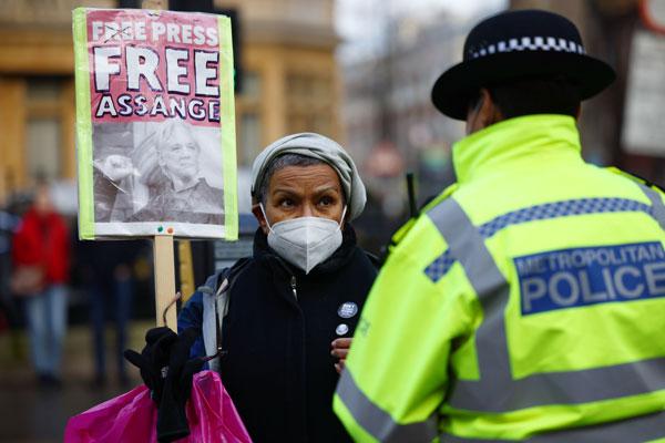 Penolakan Ekstradisi Assange Jadi Pukulan bagi AS