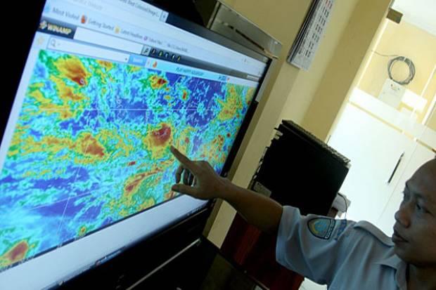 Penjelasan BMKG Soal Puncak Musim Hujan dan Potensi Bencana