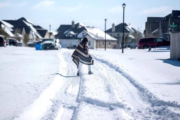 Badai Salju Tewaskan 21 Orang di AS, 2,7 Juta Rumah Mati Listrik