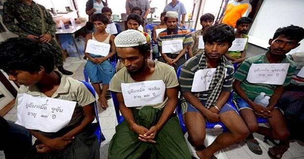 Kapal Myanmar Tiba di Malaysia untuk Jemput Para Pencari Suaka