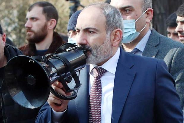Kecam Upaya Kudeta, PM Armenia Turun ke Jalan