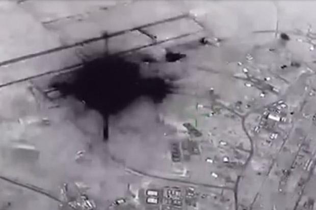Video Dahsyatnya Rudal Iran Hujani Pangkalan Militer AS di Irak