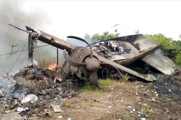 Pesawat Jatuh di Landasan, 10 Tewas Termasuk Pilot