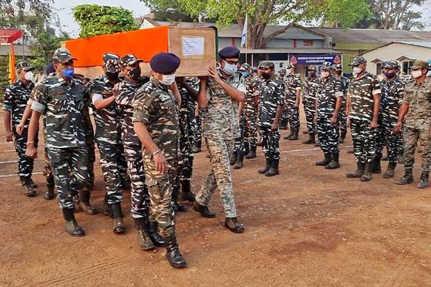 Bentrok dengan Pemberontak Naxals, 22 Tentara India Tewas