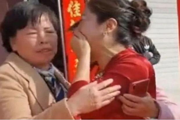 Terpisah 20 Tahun, Pengantin Wanita Ini Ternyata Putri Kandung Ibu Mertuanya