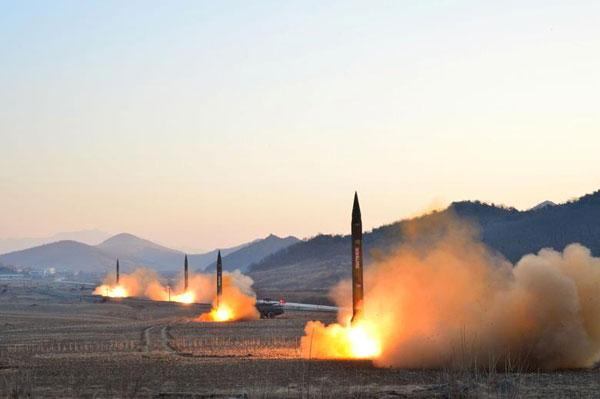 Di Tengah Kebuntuan Diplomasi, Korut Terus Kembangkan Kemampuan Rudal Balistik