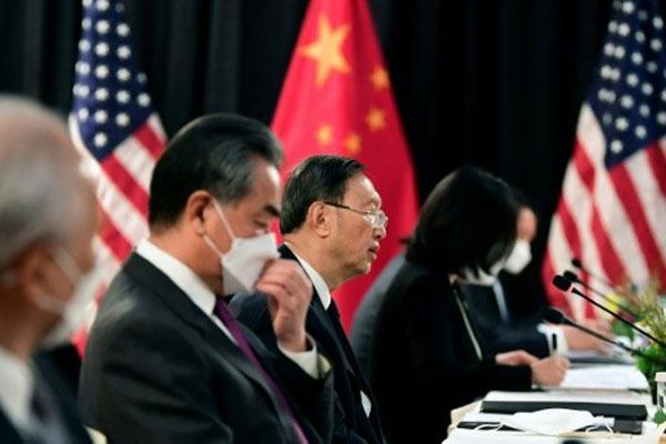 Kembali ke Jalur Persaingan, China dan Barat Kian Menjauh