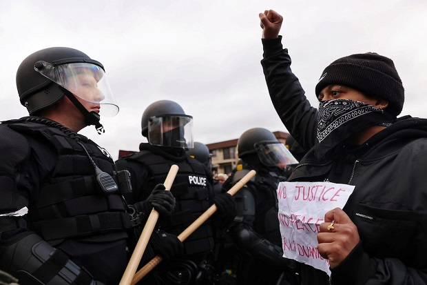 Lagi, Polisi AS Bunuh Pria Kulit Hitam Picu Ketegangan di Minneapolis