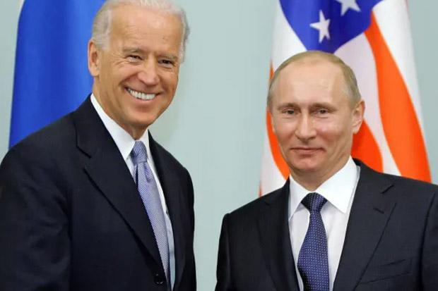Situasi di Ukraina Memanas, Biden Telepon Putin Aj