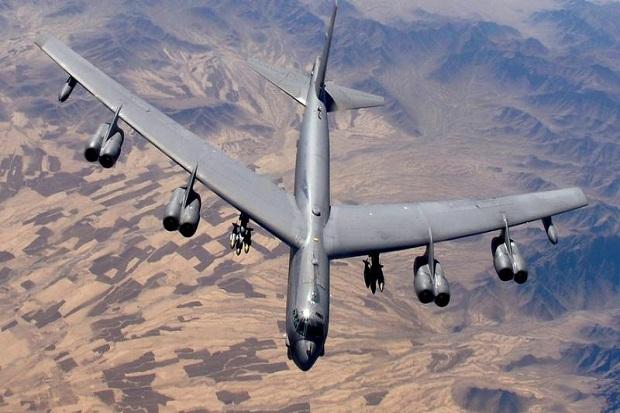 Tarik Tentara, AS Kerahkan Pembom B-52 dan Pertahankan Kapal Induk di Dekat Afghanistan