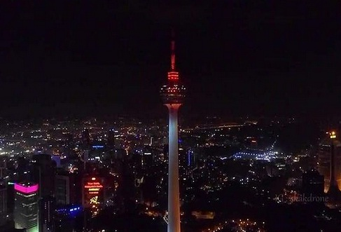 duka-untuk-kri-nanggala-402-gedunggedung-di-malaysia-nyalakan-merah-putih-xfn.jpg