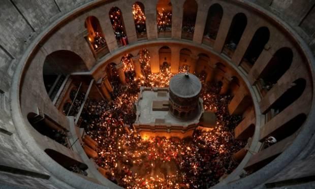 Polisi Israel Lecehkan Umat Kristen Palestina di Dekat Gereja Makam Suci