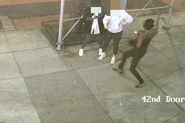 Kejahatan Rasial di AS: Wanita Asia Kepalanya Dihantam Palu di New York