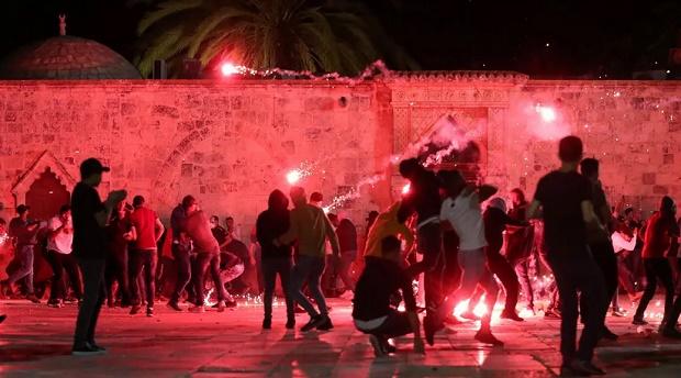 AS Serukan Ketenangan saat Polisi Israel Tembaki Warga Palestina di Al-Aqsa