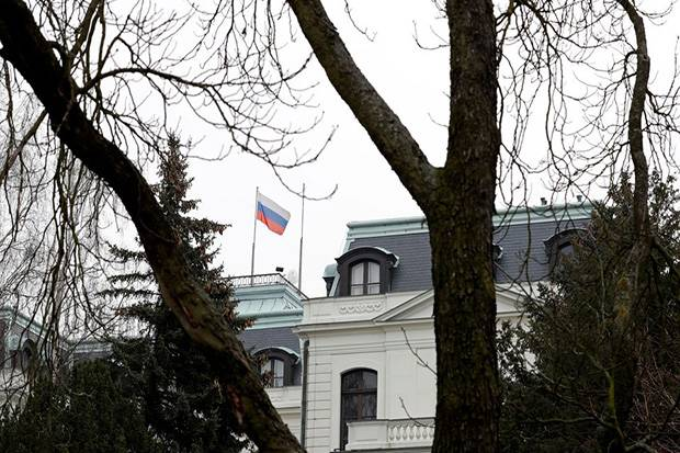 Ceko Minta Negara UE Turut Usir Diplomat Rusia