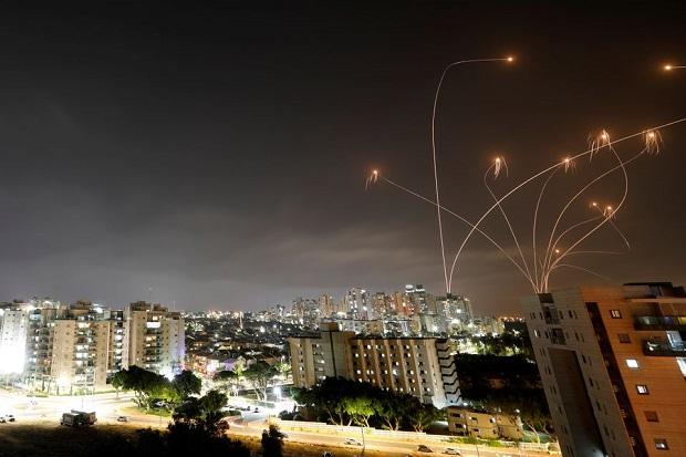 AS Tak Terima Ratusan Roket Gaza Menyerang Israel