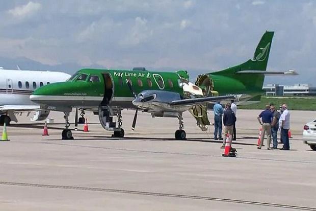 Dua Pesawat Tabrakan di Udara Terbelah Dua, Ajaibnya Tak Ada Korban