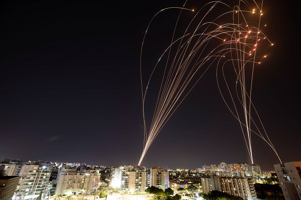 Inilah Daftar Senjata Milik Hamas dan Israel untuk Saling Serang