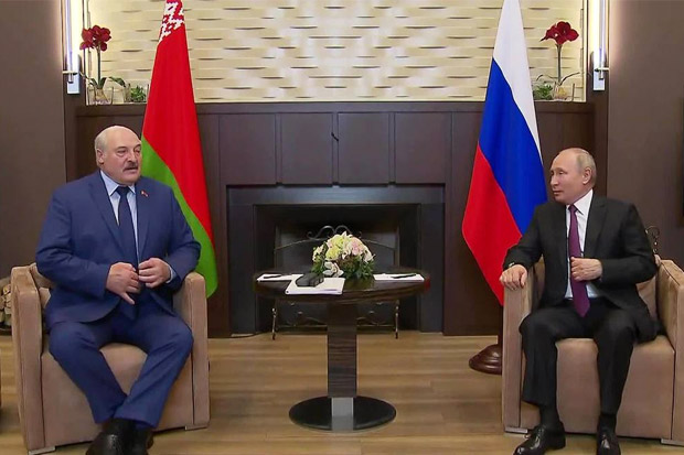 Berseteru dengan Eropa, Presiden Belarusia Dapat Dukungan Putin