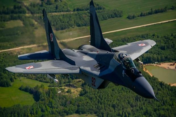 Jet Tempur MiG-29 Polandia Tak Sengaja Tembak Jet Tempur Rekannya