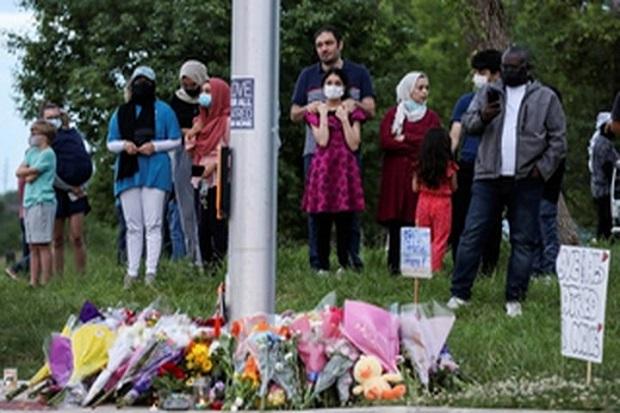 Teroris yang Tabrak Mati Keluarga Muslim Tertawa saat Keluar dari Truk