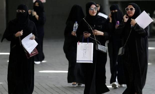 Perubahan Hukum, Arab Saudi Izinkan Wanita Hidup Sendiri Tanpa Wali Pria