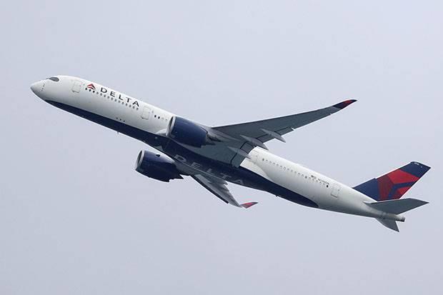 Pesawat Delta Airlines Alihkan Penerbangan Setelah Penumpang Tebar Ancaman dan Serang Pramugari