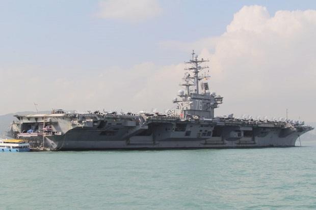 Dikawal 2 Kapal Perang, Kapal Induk AS Masuk Laut China Selatan