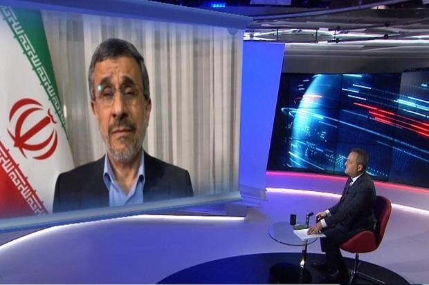 Ahmadinejad: Arab Saudi dan Iran Saudara, Harus Bekerja Sama