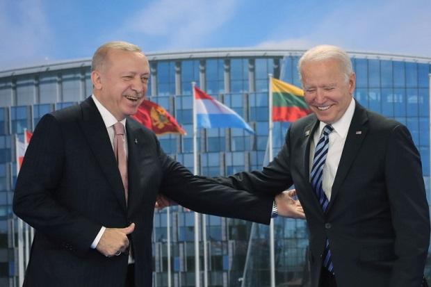 AS: Biden dan Erdogan Gagal Capai Kesepakatan soal S-400 Rusia