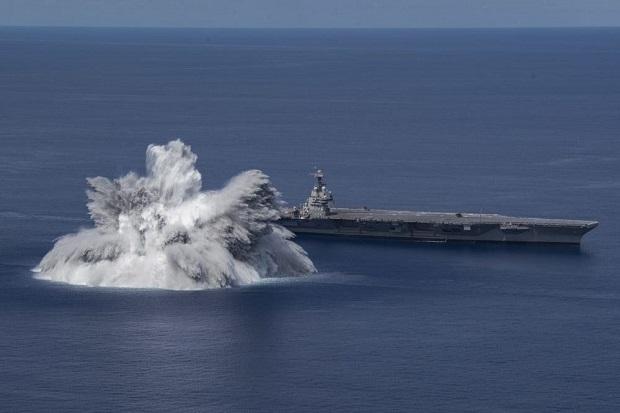 Tes Kejut, AS Ledakkan Bahan Peledak di Dekat Kapal Induk Tercanggih