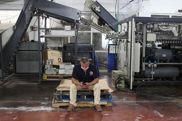 Pabrik Pepsi Gaza Tutup, Pemilik Salahkan Pembatasan Ketat Israel