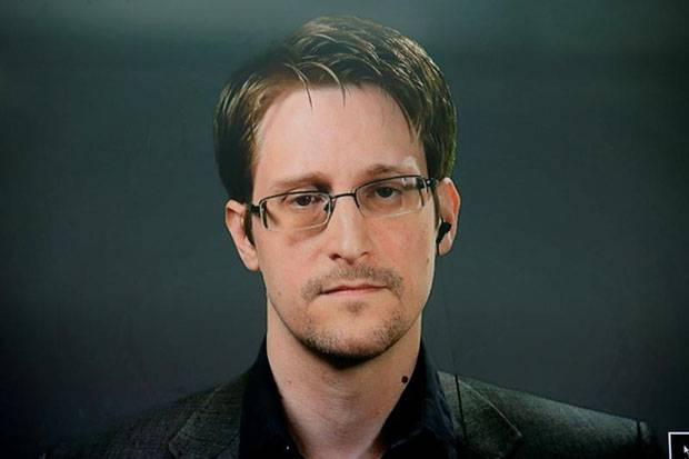 Snowden: Setelah John McAfee, Julian Assange Bisa Jadi Target Berikutnya