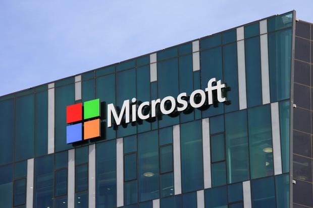 Microsoft Menantang Model Bisnis Apple Lewat Windows 11