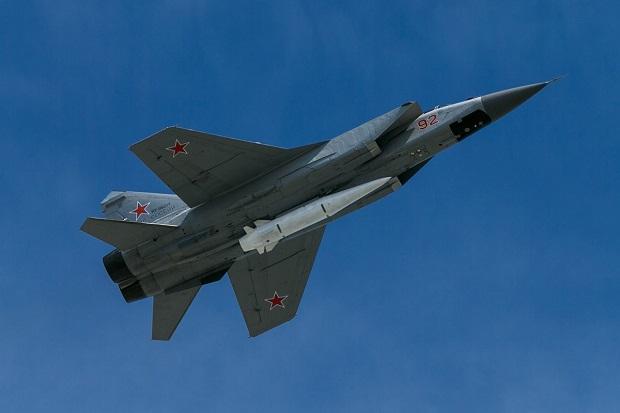 Jet Tempur MiG-31K Rusia yang Mampu Bawa Rudal Hipersonik Muncul di Suriah