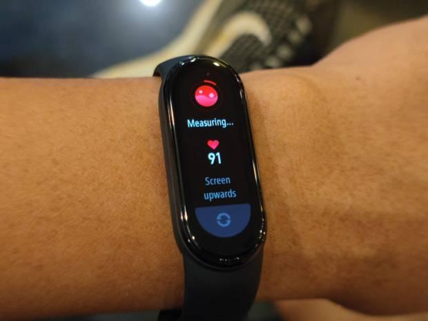 Cara Mengukur Saturasi Oksigen Menggunakan Smartwatch atau Smartband